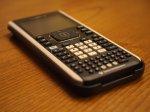 Kalkulator na stole